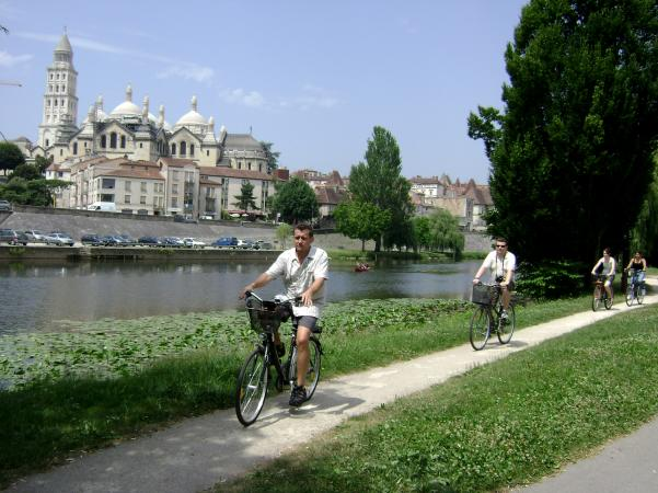 Cycling Destinations: The Dordogne: A Gentle Cycle Tour in Classic French countryside