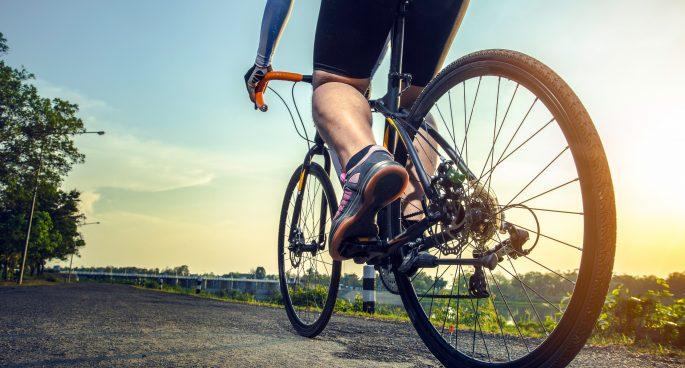 Why Mountain Bikers Prefer Baggy Cycling Shorts to Lycra